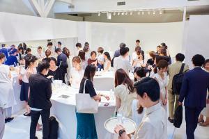 新オルビスユーの体験ブースでは、多数のメディア関係者と美容家が新商品のタッチアップを楽しみました。