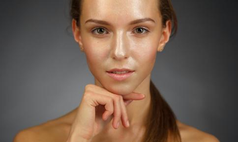 紫外線もなんのその!?エイジレス美肌の秘訣は「刺激ブロック」にあり