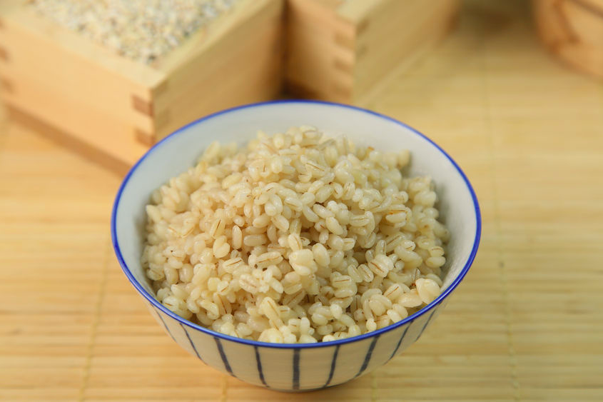 腸活に役立つ「ご飯」とは?美味しい「もち麦」のひみつ