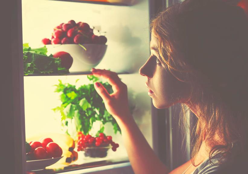 夜食にサラダはNG!?野菜のパワー半減な食べ方3つ