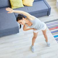 縮こまった身体のめぐりを改善!「体側」を伸ばすエクサ