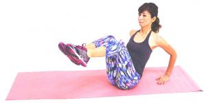 ゆっくり吐く息とともに両ひざをつけます。(3)と(4)の動作を8回を目安に繰り返します。慣れてきたら2セットに増やしてみましょう