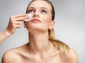 大人のセラミド美容にぴったり!注目のセラミド配合スキンケアアイテム2選