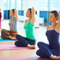 肩甲骨を動かして肩こり改善!スマホ&PC疲れを癒すエクサ