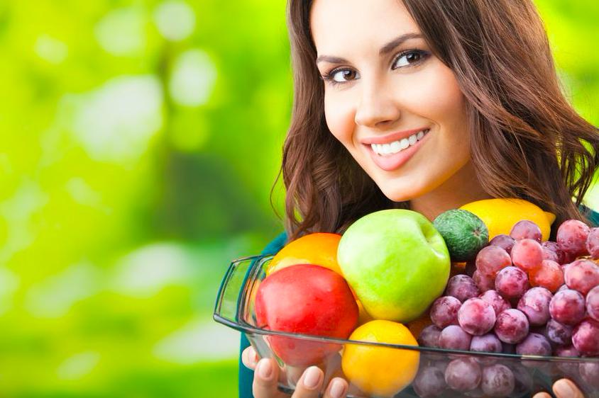 夜よりも朝がおすすめ!果物を食べる時に気をつけること2つ