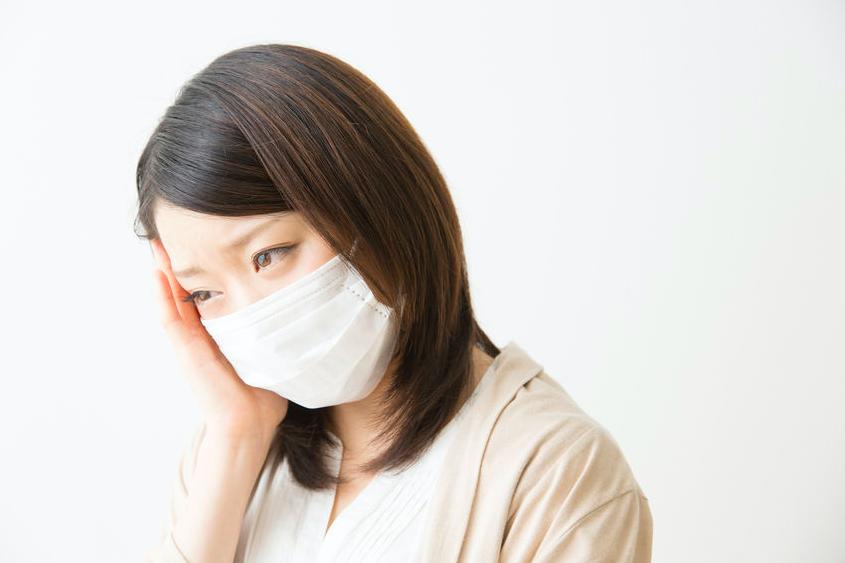 マスクで肌荒れ?摩擦やムレを防ぎ美肌を保つマスクの使い方