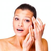 「夏枯れリップ」の原因は?皮膚科医が教える、つや唇ケア