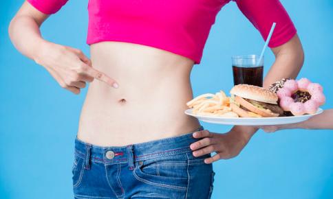 腸内環境が悪化する!?「美容家が控える」食べ物5つ
