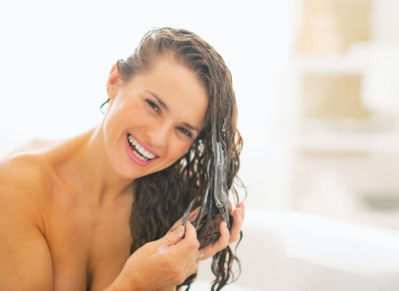 紫外線が抜け毛の一因にも!?「春から夏」のヘアケア法