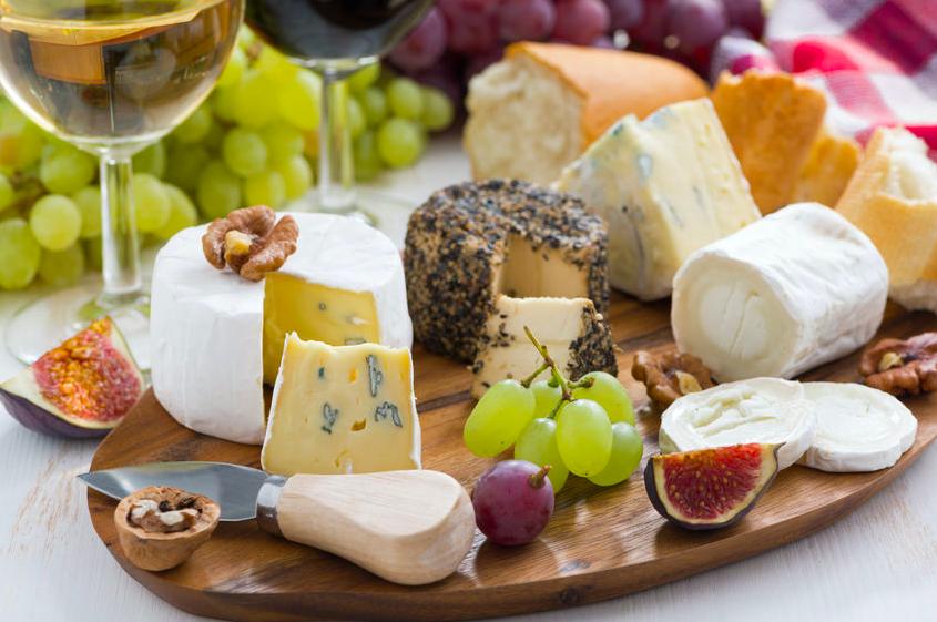 高タンパクで間食にも◎!美容に役立つ「チーズの選び方
