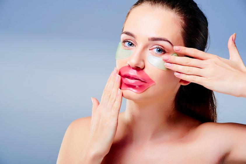 一気に老け印象に?「老化しやすい顔のパーツ」の傾向と対策