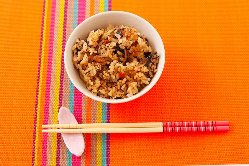 お腹も心も満足!糖質制限中もOK「ロカボ混ぜご飯レシピ」