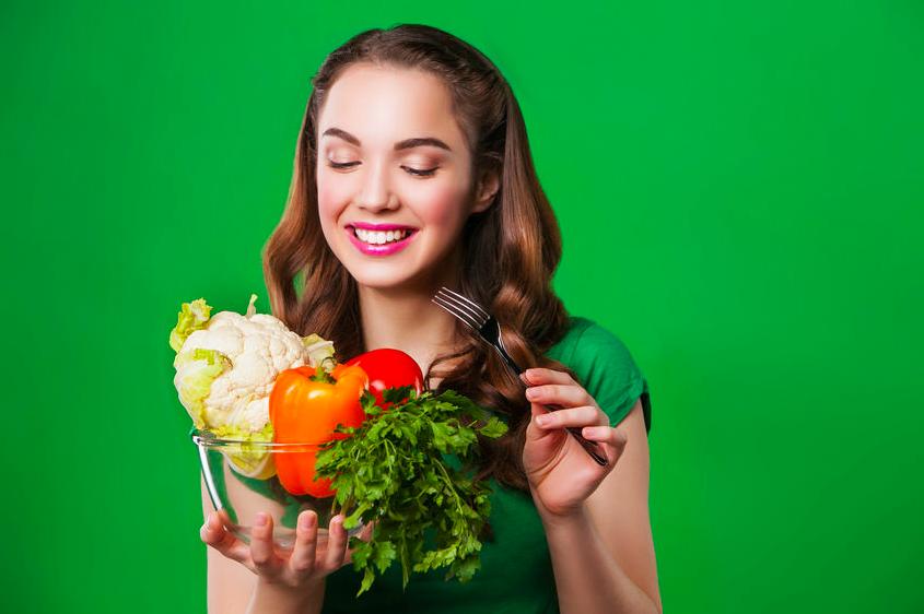 """老け見えの元""""糖化""""を防ぐ、3つの「野菜の食べ方」"""