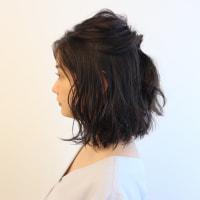 短めヘアでもまとめ髪!ゴム2本で「こなれアップアレンジ」