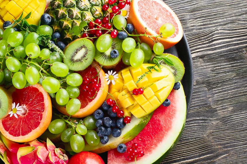 夏の肌を酸化から守る!美肌のために食べたい「夏の果物」3つ