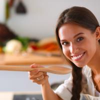 調味料も根菜も冷蔵庫保存を!食材が傷まない梅雨時の保存法