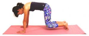 そのまま両ひざを床からはなして数回呼吸を繰り返し、体幹を安定させましょう