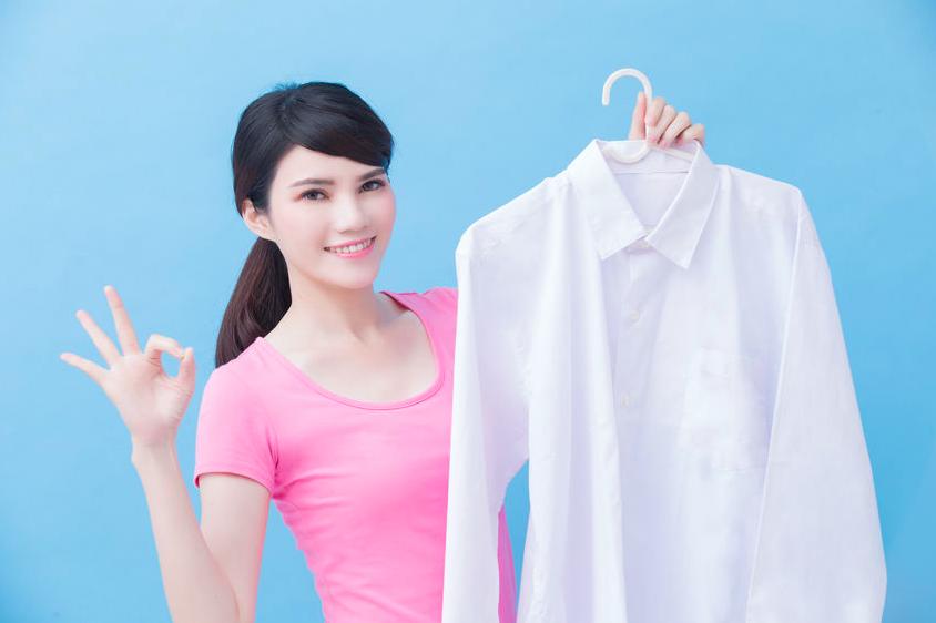 すすぎ2回で白い服をいつまでも白く!黄ばみを防ぐ洗濯方法