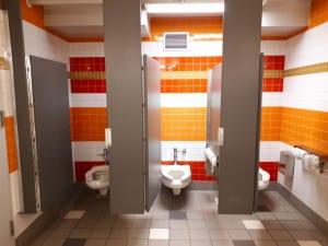 アメリカのトイレで「ノック」はしない
