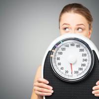 夏は太りやすい!?40•50代の夏太りの原因&対策