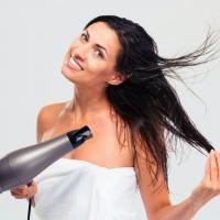 タオル、ブラシを変えて美髪に!美髪キープに役立つアイテム