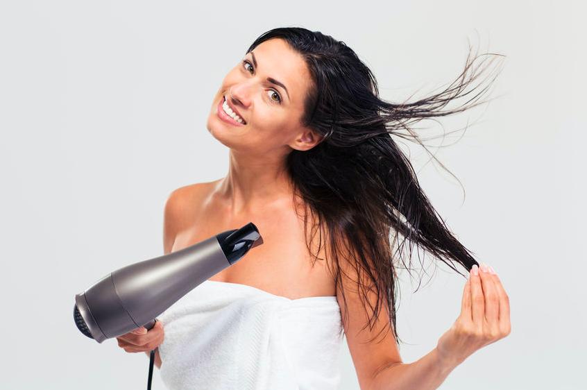 シャンプー後の乾かし方で髪が変わる!髪を守るヘアケア習慣