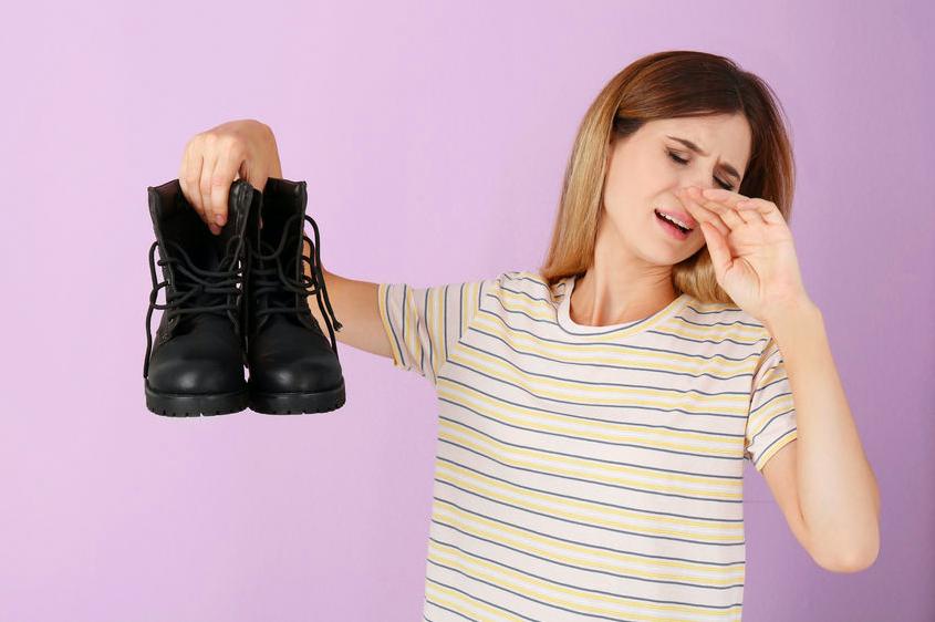 ブーツで足が臭う?