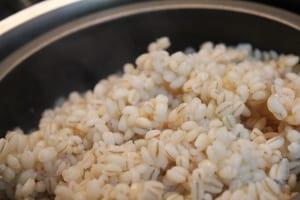 腸活はヨーグルトだけじゃない!善玉菌を元気にする食材3つ (2)もち麦