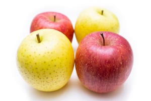 毎日食べたい!美腸をサポートする秋フルーツ3つ (1)リンゴ