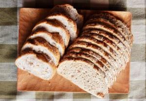 腸活サポートになるパン3種 (1)ライ麦パン