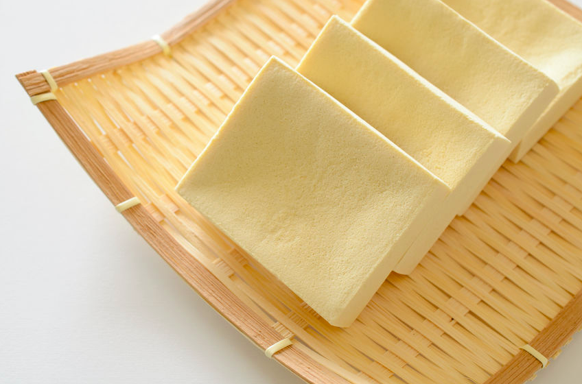 ダイエットだけじゃない!栄養士に聞く、40代・50代に「高野豆腐」が最適な理由