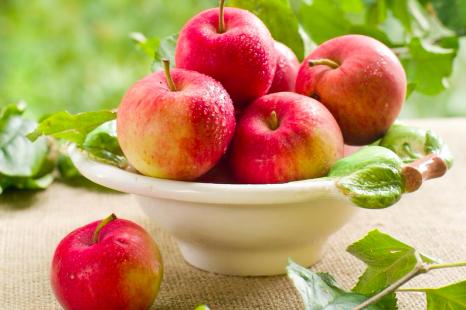 毎日食べて内側からキレイに!美腸になれる秋のフルーツ3つ