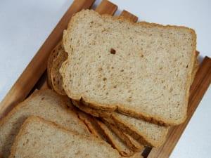 腸活サポートになるパン3種 (2)全粒粉パン