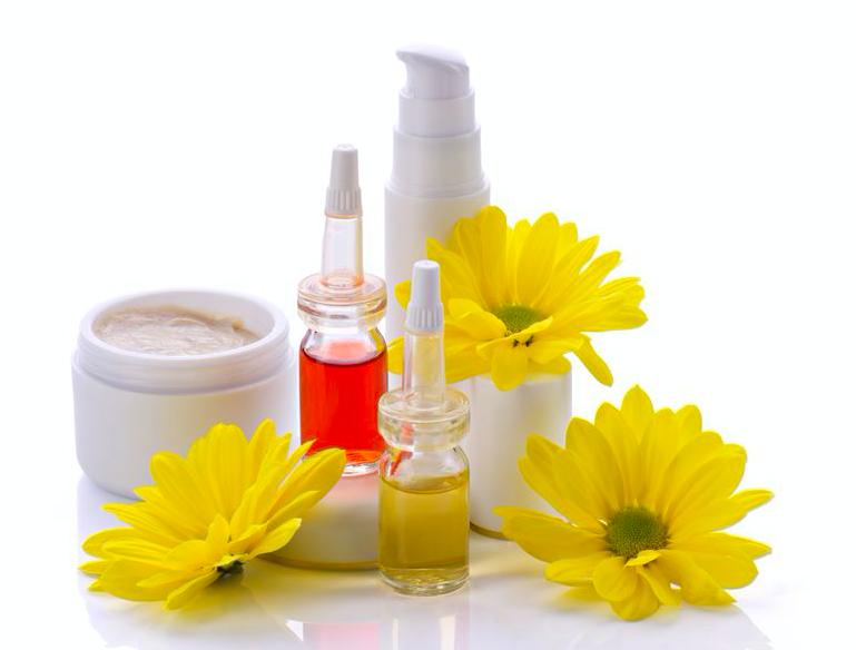 使い切れない化粧水で贅沢美容風呂!化粧品の使用期限&対策