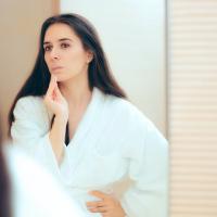 いつもの化粧水がしみる?「冬の終わりの揺らぎ肌」対処法