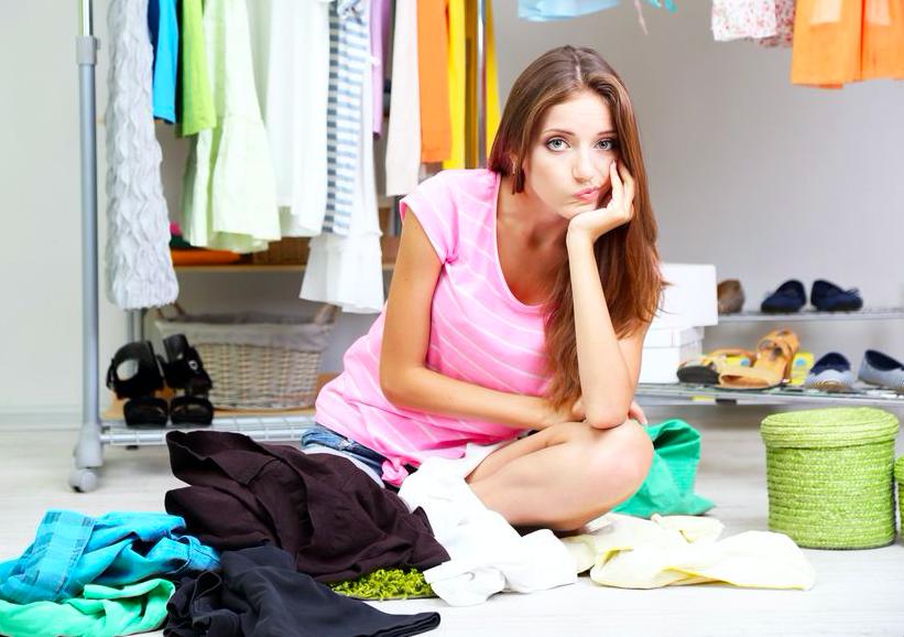 捨てるべき服を見極めてスッキリ!クローゼット整理整頓テク