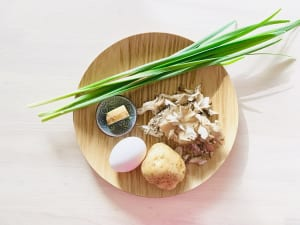 「ニラたまキノコ味噌汁」の薬膳ポイント