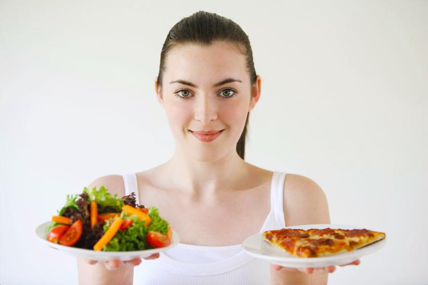 外食が増える季節に!食べ過ぎてしまった時の過ごし方