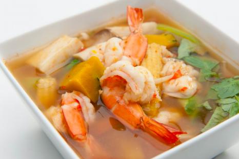 スパイス&ハーブで腸活!スープが美味しいアジアン鍋レシピ
