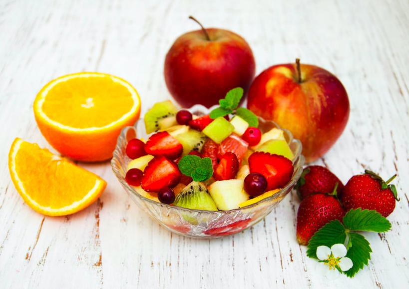 宴会続きの野菜不足に!サプリとして食べたいフルーツ3つ