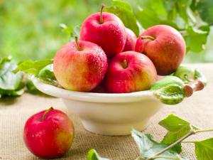 食べるサプリになるフルーツ3つ (2)リンゴ