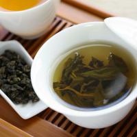 腸の力を取り戻す&代謝アップ!40代が杜仲茶を飲むべき理由