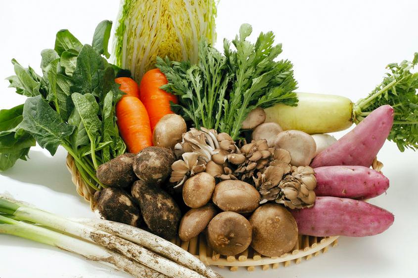つい食べすぎる年末年始に!体重管理におすすめの野菜3つ