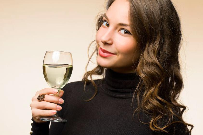 宴会つづきで飲みすぎ!?太りにくいお酒の飲み方・選び方