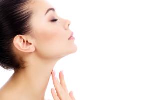 DHEAは、男性ホルモンや女性ホルモンを作る材料です