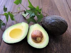 腸活のために食べたい基本の野菜3つ (2)アボカド