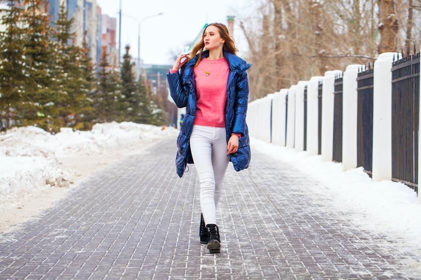真冬の必須アイテム・ダウンコートをオシャレに着こなすテク