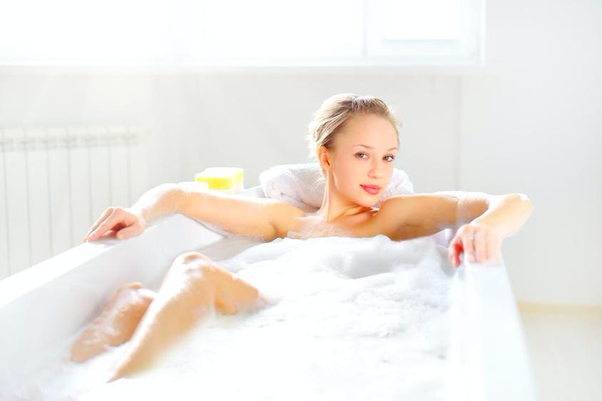 冬はお風呂場で保湿を!しっとり肌を保つための5つの習慣