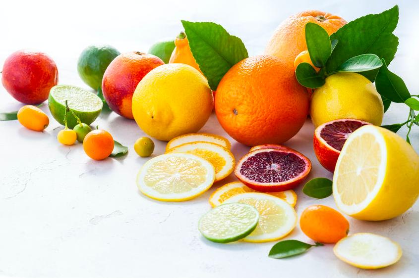 冬は柑橘類でビタミンCを補給!レモンと金柑の手軽な活用法