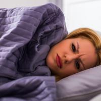 乾燥&冷えを防いで寝ている間に美肌になる方法&アイテム